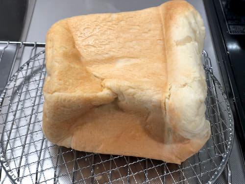 生クリームの食パン (植物性脂肪分40%クリーム100g)