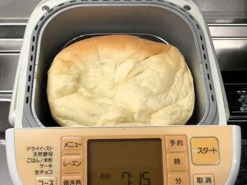 生クリームの食パン (生クリーム100g+牛乳)焼き上がり