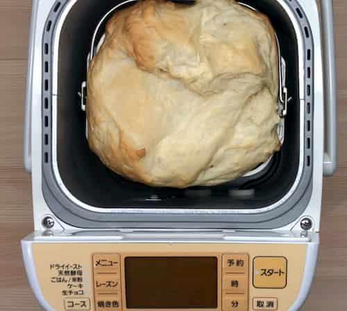ココナッツミルクの食パン (ココナッツミルク100g+牛乳100g)