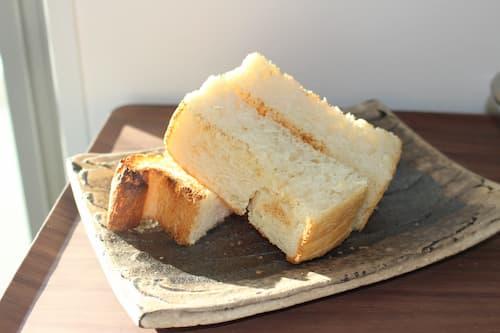 アーモンドの食パン (アーモンドミルク95.6%+アーモンドパウダー10.8%)