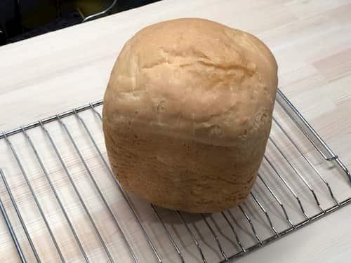 ココナッツの食パン (ココナッツミルク60%⊕水26.4%)