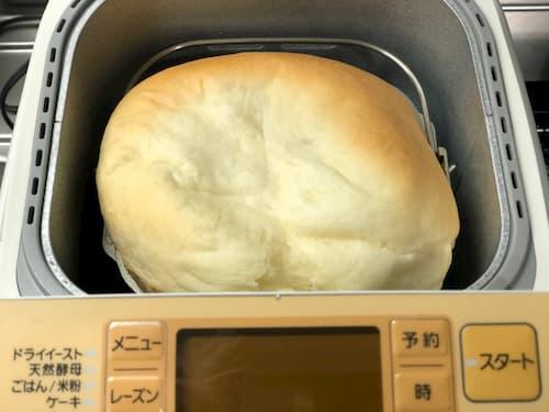 アーモンドエッセンスの食パン (生クリーム⊕牛乳)