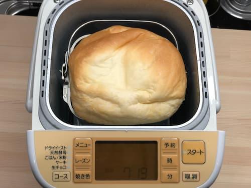 練乳の食パン (練乳16%⊕牛乳64%)