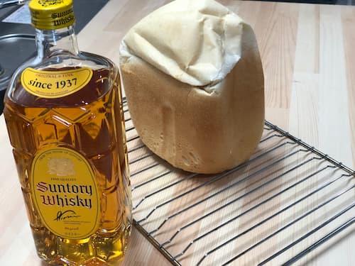 ウイスキー 12% 配合の食パン 【魔法庵 × おかだけんいち】